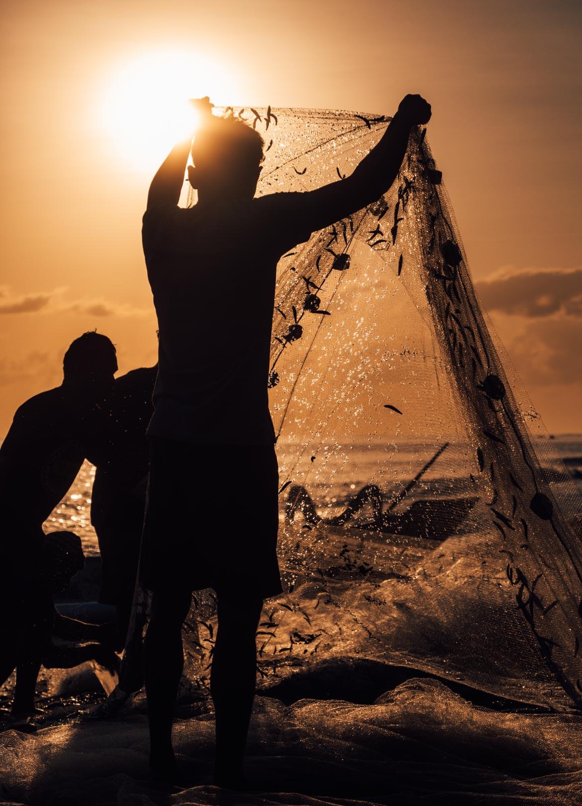 Pescatori all'alba ad Amed Bali