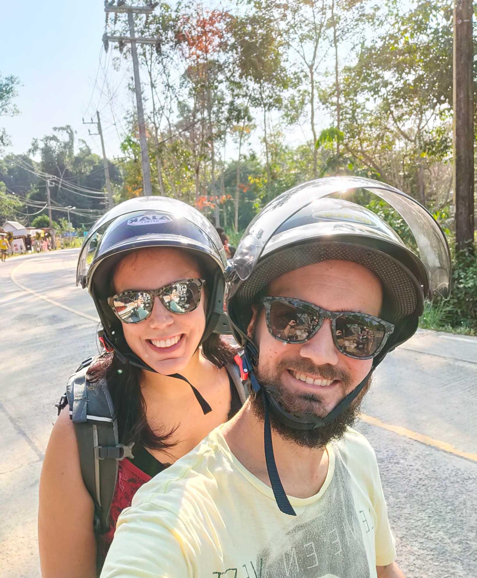 Spostarsi in scooter a Koh Kood