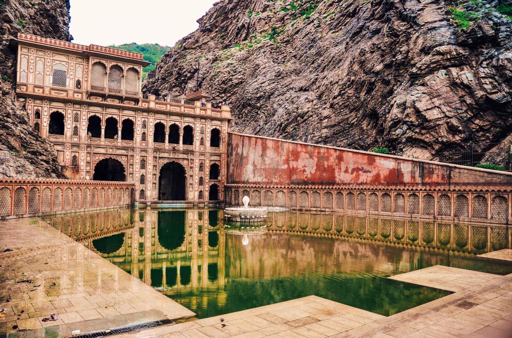 Jaipur tempio delle scimmie esterno
