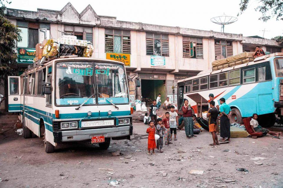 Terminal bus Birmania