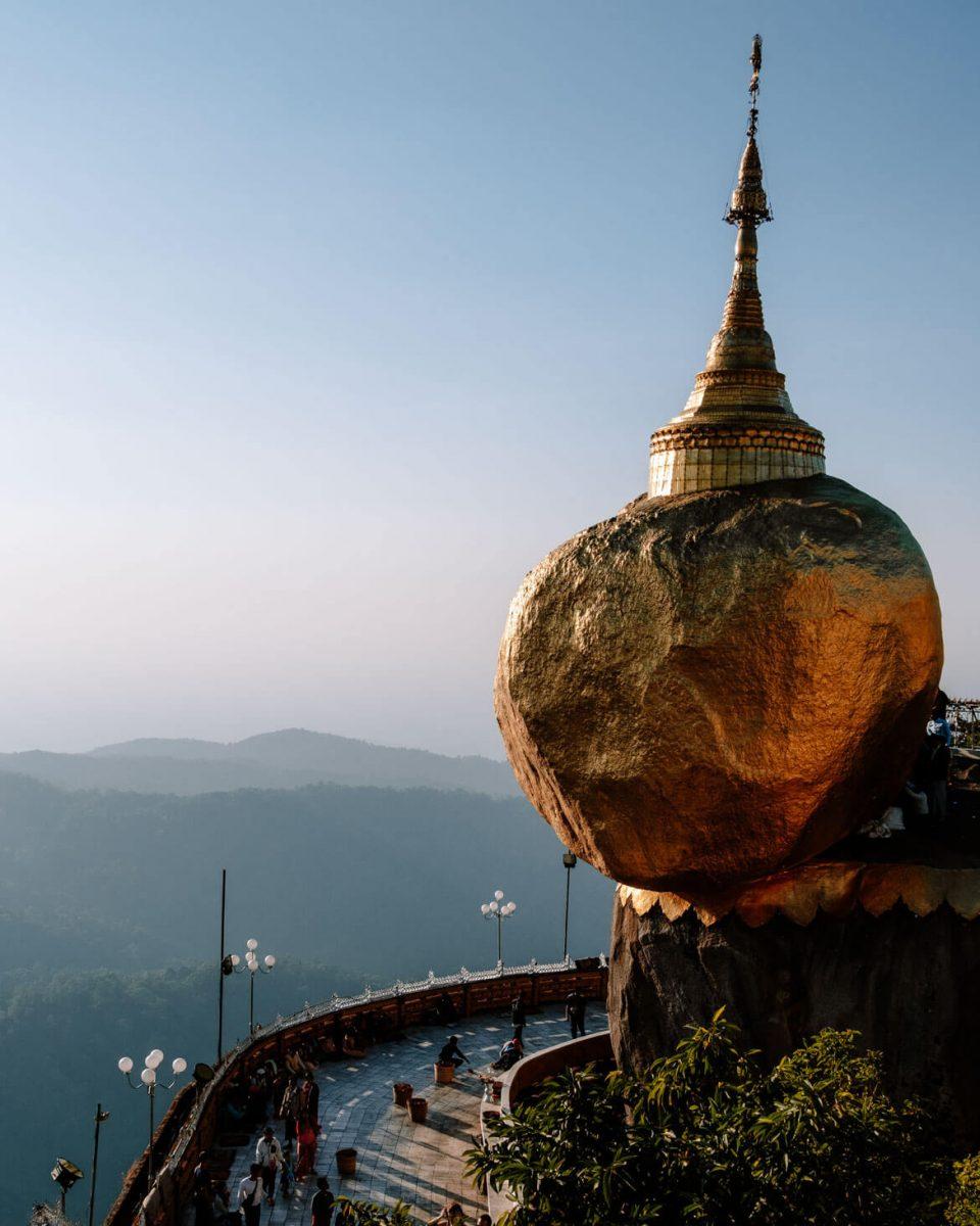 Golden Rock Birmania
