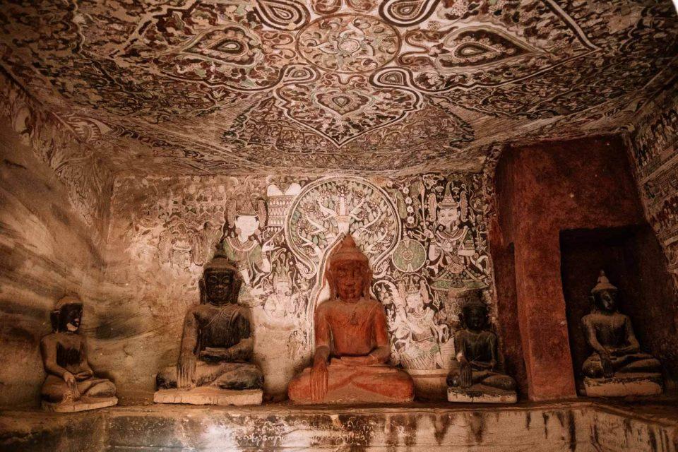 Grotte con Buddha Monywa Birmania