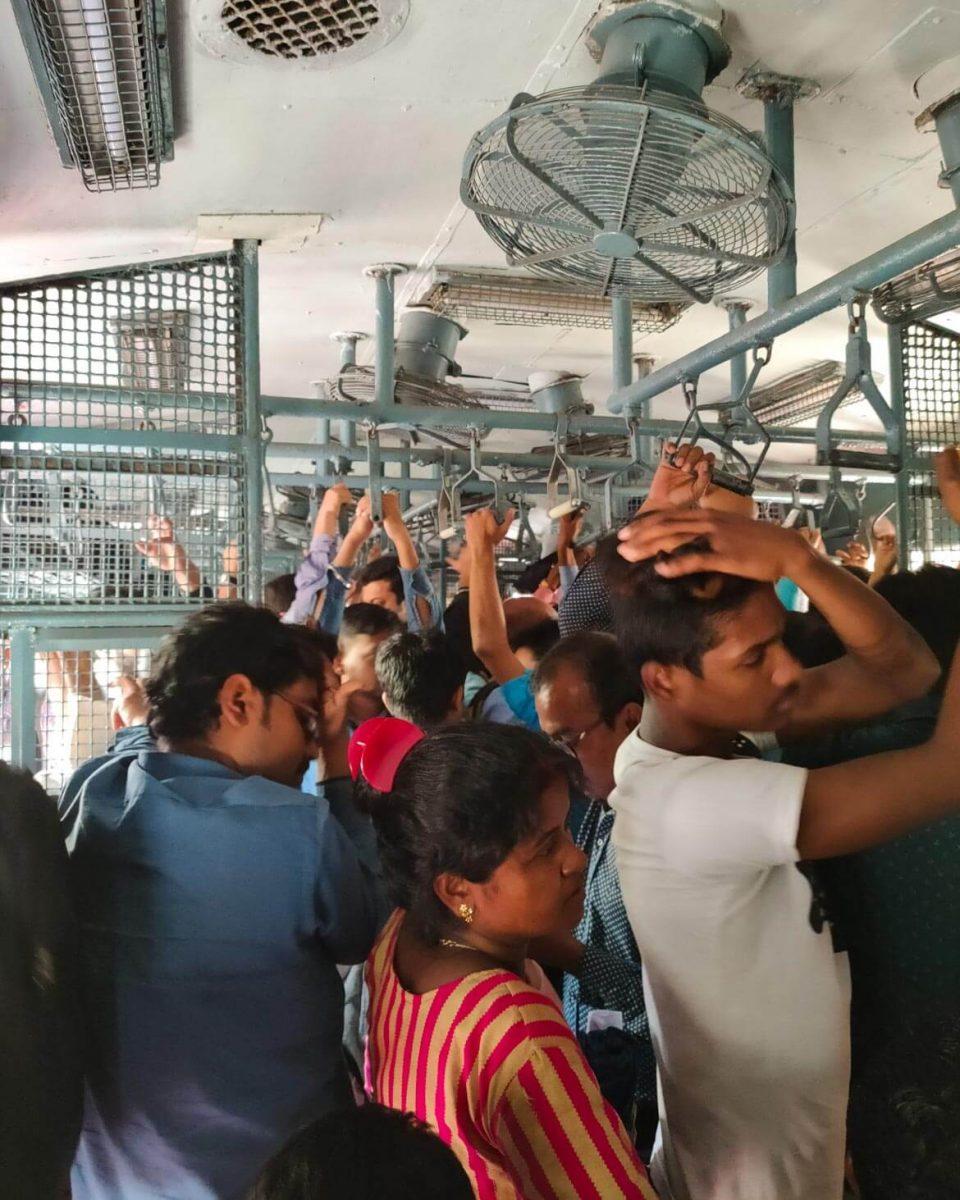 Treni affollati in India